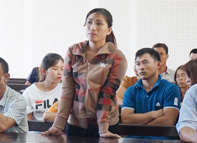 Bà Lê Thị Oanh - người đã đưa cho ông Điều 4 triệu đồng để không bị lập hồ sơ đưa lên huyện