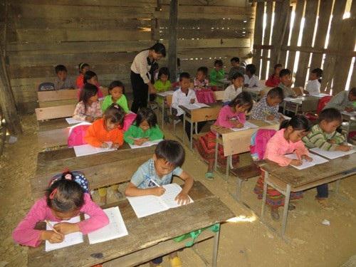 Học sinh tại vùng sâu vùng xa tại Đắk Lắk