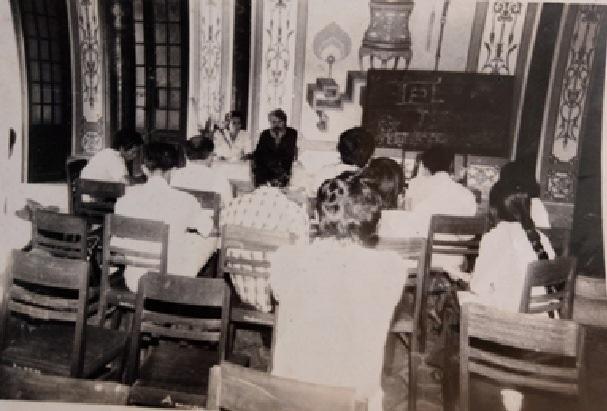 KTS Kazik – giảng viên lớp tập huấn bảo tồn trùng tu tại Huế do UNESCO tổ chức (Năm 1985)
