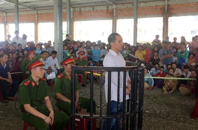 Bị cáo Lê Lâm Hưng, trước vành móng ngựa