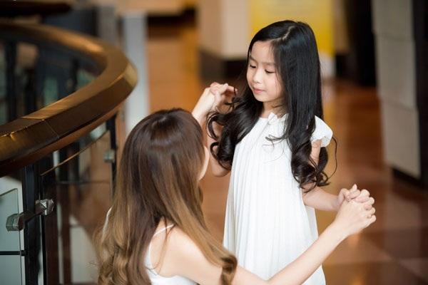Ngắm hai nhóc tì siêu dễ thương nhà Đan Lê, Lưu Hương Giang - 9