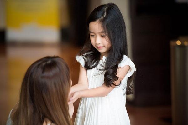 Con gái Hồ Hoài Anh- Lưu Hương Giang rất dễ thương, xinh xắn.