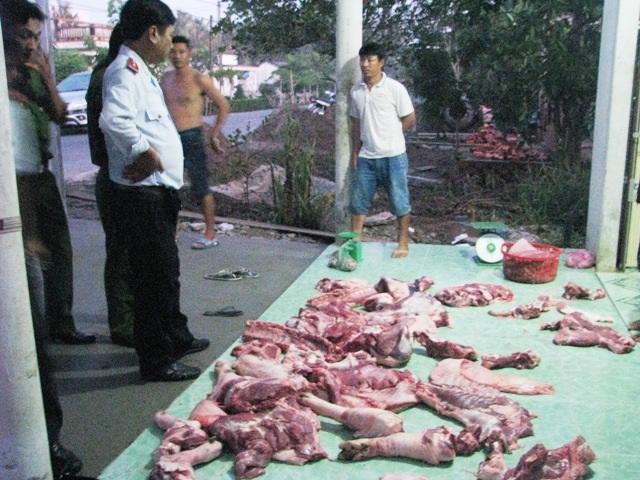 Số thịt heo bị bắt quả tang không có giấy kiểm dịch.