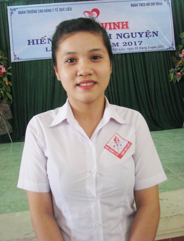 Em Trần Ngọc Hân, một trong những nữ sinh nhiều lần tham gia hiến máu của trường Cao đẳng Y tế Bạc Liêu.