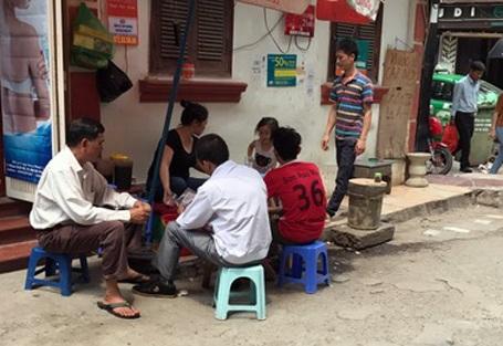 Hà Nội đang sắp xếp lại các cửa hàng buôn bán trên vỉa hè