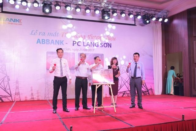 Thẻ Đồng thương hiệu ABBANK - PC Lạng Sơn: Tích hợp quyền lợi, nhận nhiều ưu đãi - 1