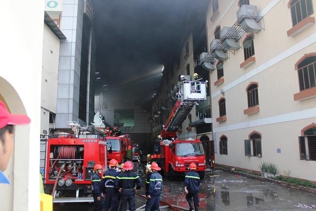 Lực lượng chữa cháy tại công ty may Kwong Lung - Meko