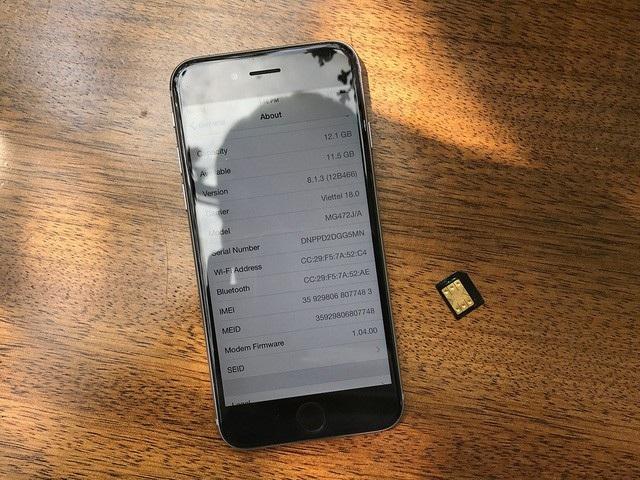 Thị trường iPhone chao đảo vì SIM ghép bị khóa - 1