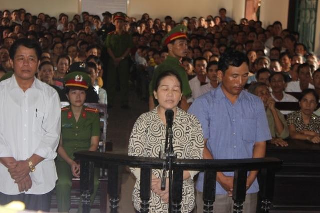 Nhiều phiên tòa số người theo dõi tại phiên tòa lên tới gần 600 người như vụ tham ô tài sản tại xã Thuần Thiện (huyện Can Lộc, Hà Tĩnh)