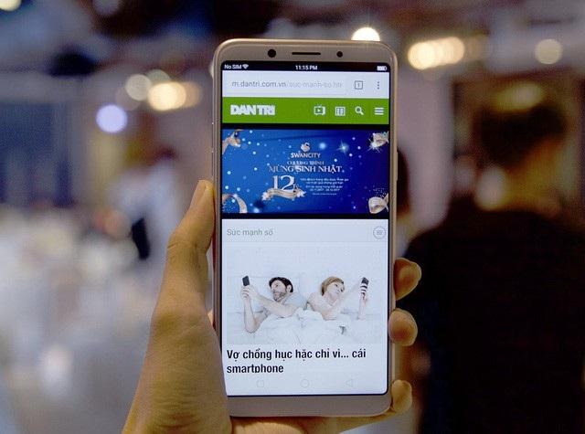 Điểm mặt smartphone màn hình tràn viền bán tại Việt Nam trong năm 2017 - 11