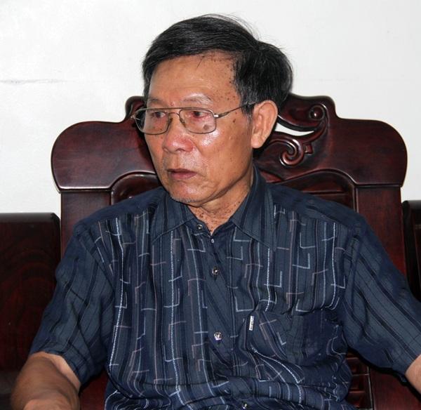Ông Nguyễn Hữu Định, con trai liệt sĩ chưa chính danh Nguyễn Hữu Quỳ bày tỏ xúc động khi được chia sẻ những thiệt thòi của người cha.