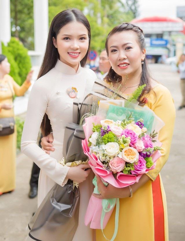 Hoa khôi Huỳnh Thúy Vi gửi lời chúc mừng Ngày Nhà giáo Việt Nam - 2