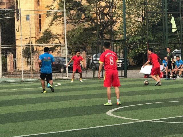Giao lưu bóng đá Bộ Ngoại giao Việt Nam - Lào năm 2017 - 10