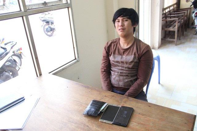 Đối tượng Huỳnh Tín Đạt tại cơ quan điều tra.