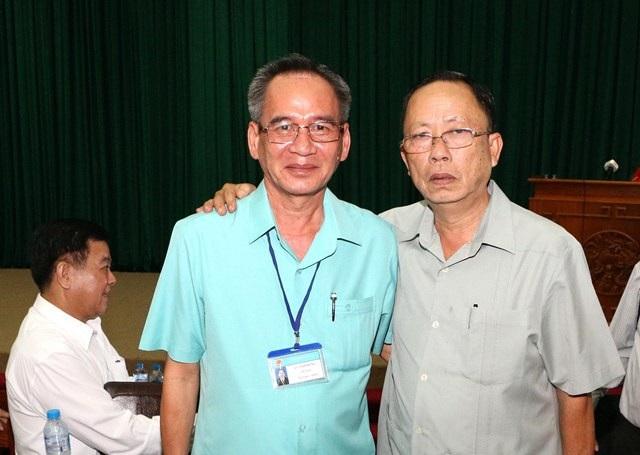 Ông Trần Công Chánh (phải) và ông Lữ Văn Hùng.