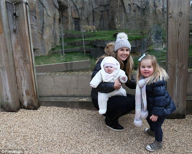 Imogen có 2 con gái Ariana tuổi và Siera, 19 tháng tuổi với bạn trai Adam Horsley, người mà cô hò hẹn từ năm 2011.