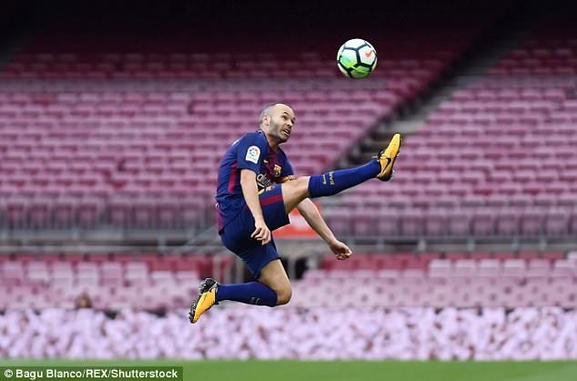 Iniesta dính chấn thương và không có phong độ tốt thời điểm này