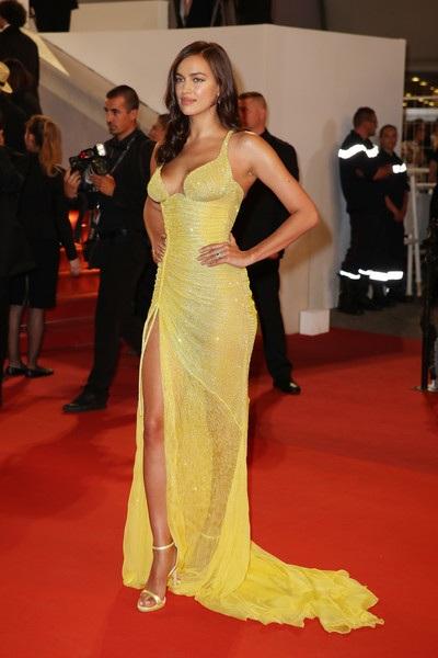 Irina Shayk dự công chiếu bộ phim Hikari (Radiance) tại LHP Cannes ngày 23/5 vừa qua