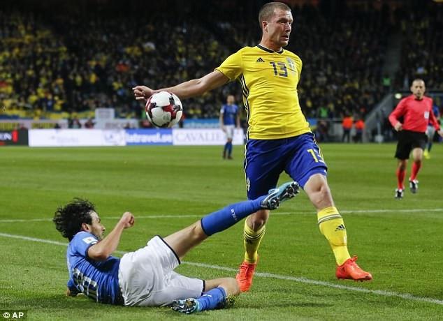 Nếu muốn dự World Cup, Italia cần phải thắng cách biệt 2 bàn ở lượt về