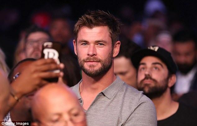 Chris Hemsworth điển trai lồng lộng