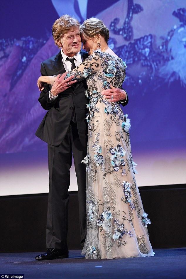 Jane Fonda, 80 tuổi tái ngộ bạn diễn trong phim Tall Story - Robert Redford, 81 tuổi tại LHP Venice ngày 1/9 vừa qua