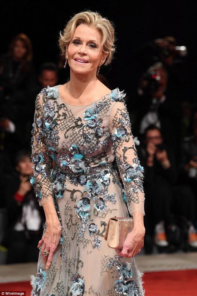 Ngôi sao Hollywood Jane Fonda đã bước sang tuổi bát tuần vẫn rất xinh đẹp, quyến rũ