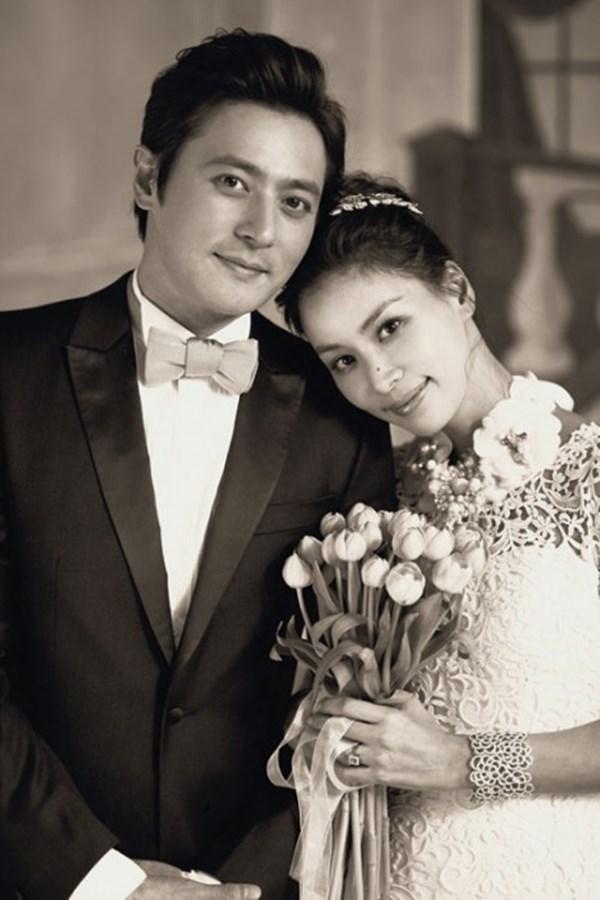 Go So Young và Jang Dong Gun làm đám cưới vào năm 2010 và trở thành một trong những cặp vợ chồng quyền lực nhất làng giải trí Hàn Quốc.