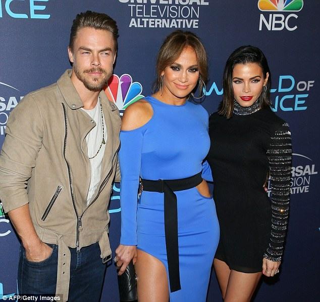 Jennifer Lopez đang bận rộn với các buổi diễn tại  Las Vegas - Cả bạn trai mới Alex Rodriguez và chồng cũ Marc Anthony đều đi xem các buổi diễn của cô.