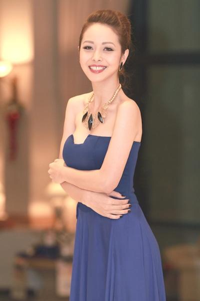 Những Hoa hậu Việt vừa đăng quang đã vội… lấy chồng - 19