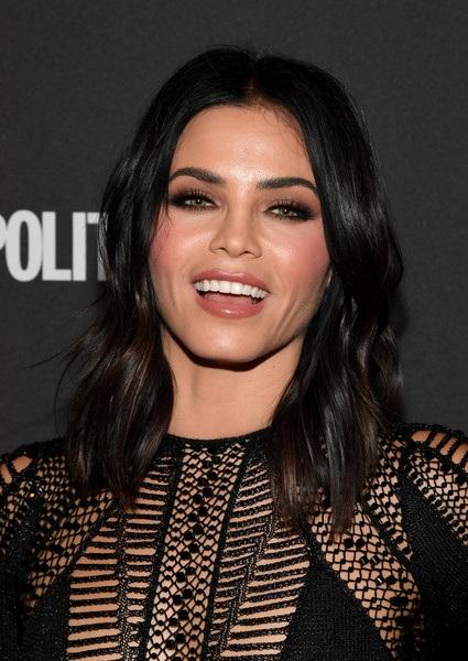 Nữ diễn viên 37 tuổi trông trẻ hơn nhiều so với tuổi thật