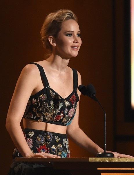 Gần đây cô lọt Top Những người phụ nữ của năm do tạp chí Elle bình chọn