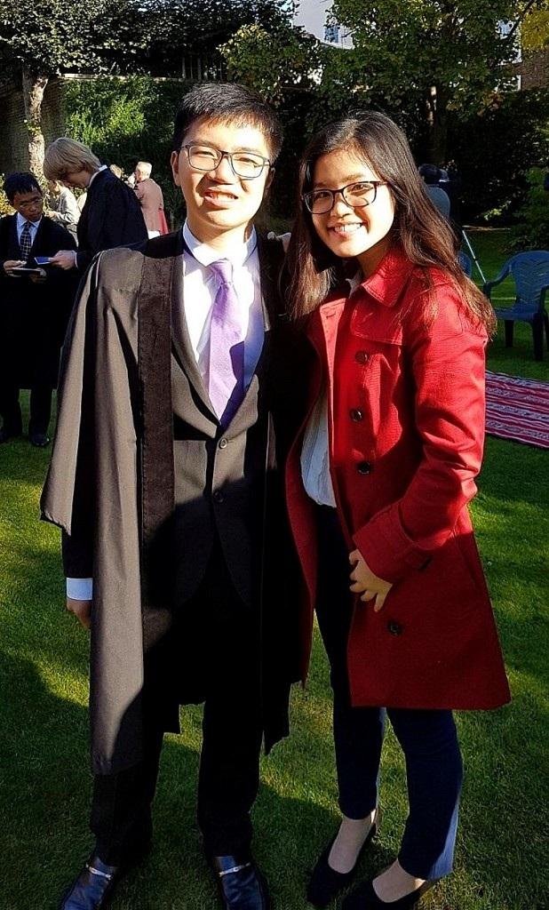 Năm ngoái, Jiang (anh trai của Jia Yi) cũng trúng tuyển ngành Y của Cambridge.