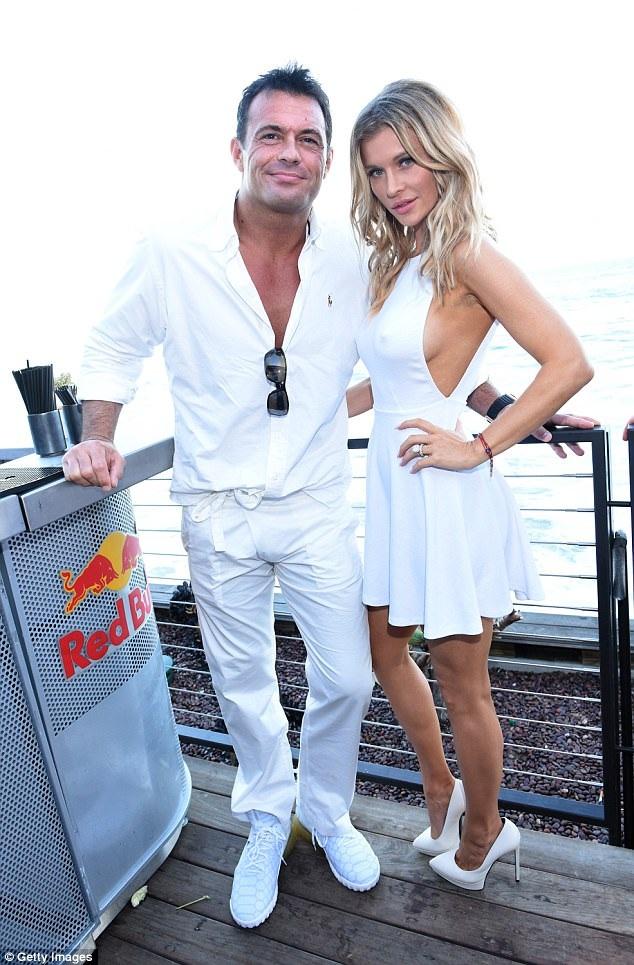 Joanna Krupa từng có hôn lễ triệu đô với chồng Romain Zago.
