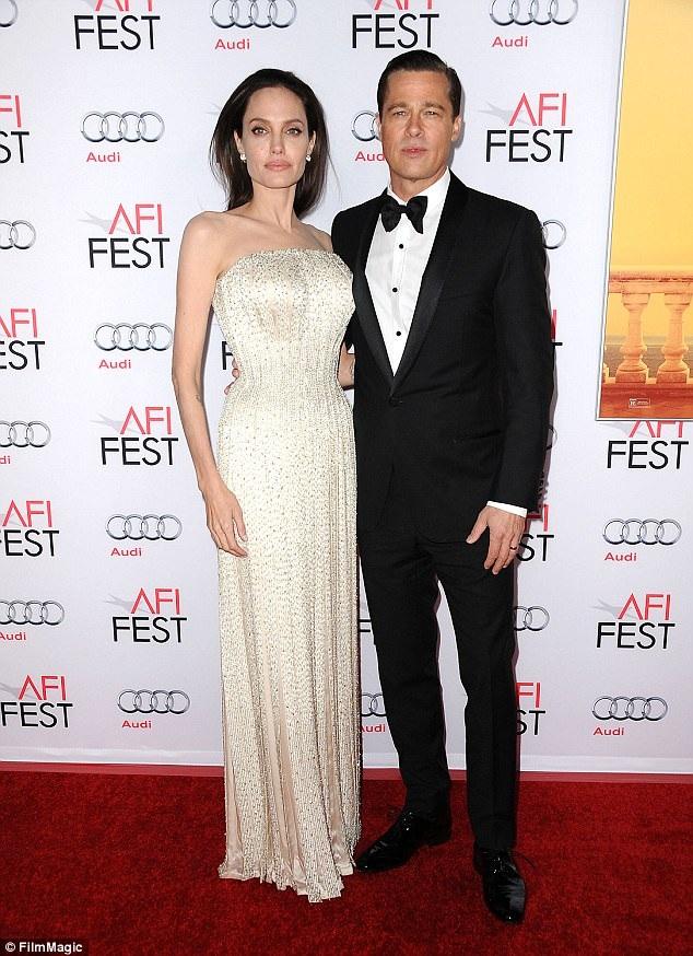 Angelina Jolie đệ đơn ly dị Brad Pitt vào năm 2016.