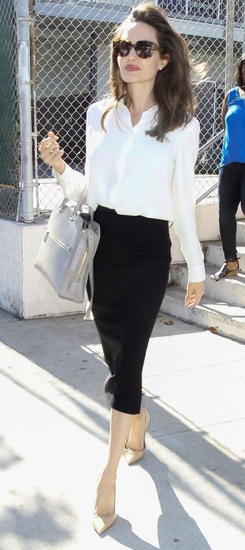 Angelina Jolie đưa các con đi mua sắm cho Halloween - 11