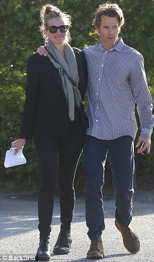Đạo diễn Daniel Moder là người chồng thứ 2 của nữ diễn viên 50 tuổi. Cặp đôi đã có với nhau 3 đứa con