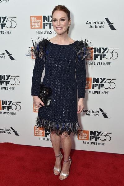 Nữ diễn viên từng giành giải Oscar Julianne Moore luôn khiến fans phải ngưỡng mộ trong mỗi lần cô xuất hiện tại các sự kiện