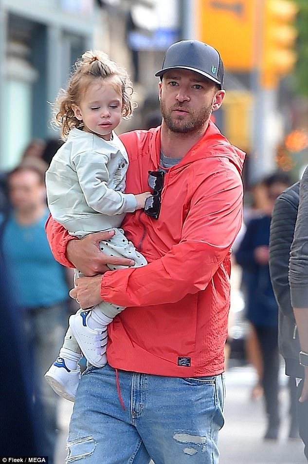 Bé Silas, 2 tuổi là kết quả cuộc hôn nhân 5 năm giữa Justin và diễn viên Jessica Biel