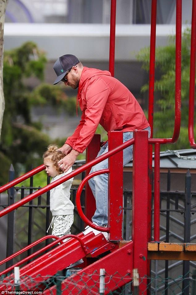 Justin Timberlake yêu chiều vợ con hết mực