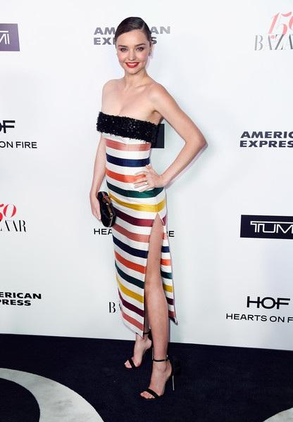 Siêu mẫu Úc Miranda Kerr nổi bật trong sự kiện do tạp chí Harpers Bazaar tổ chức tại Hollywood, California, Mỹ ngày 27/1 vừa qua