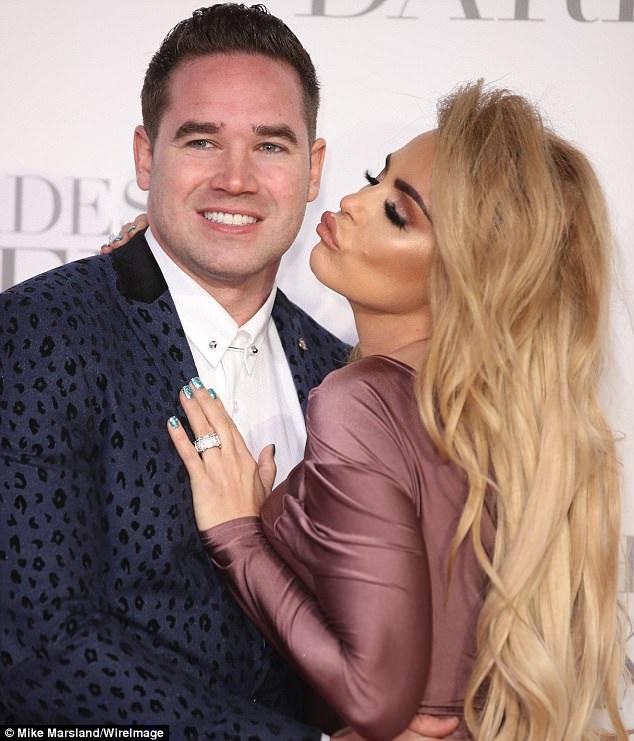 Katie Price gây sốc khi tuyên bố chia tay chồng trẻ Kieran Hayler