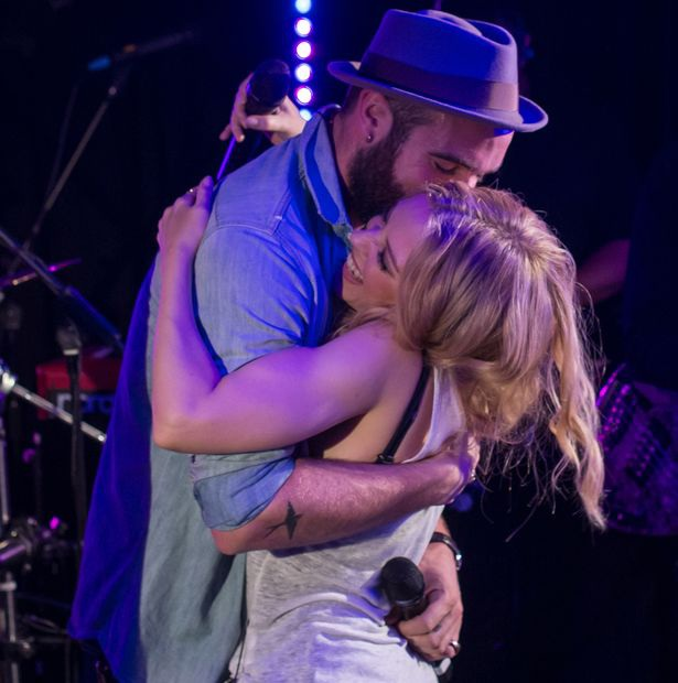Kylie Minogue suy sụp và đau buồn vì tình yêu tan vỡ nhưng không thể làm khác bởi cô ấy không cảm thấy tin tưởng thực sự bạn trai của mình.