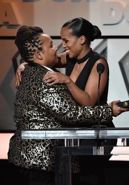 Kerry Washington giới thiệu giải thưởng dành cho đạo diễn Tina Mabry