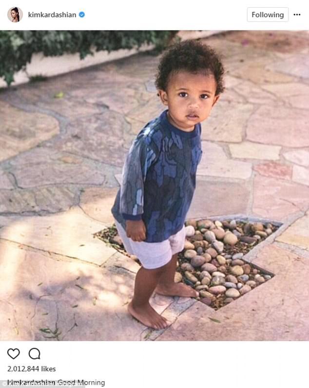 Kim Kardashian sống khá kín đáo trong thời gian này và dành phần lớn thời gian chăm sóc chồng con
