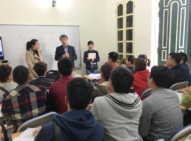 Các chuyên gia giáo dục Hàn Quốc trực tiếp sang đào tạo và tuyển sinh tại trung tâm Kang nam