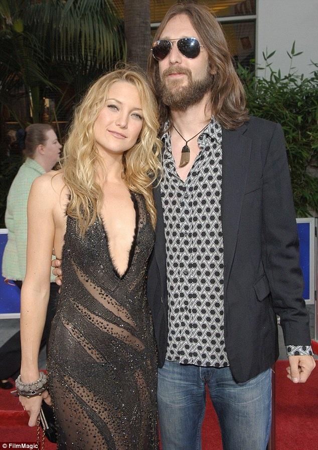 Người đẹp nhất thế giới năm 2008 và chồng cũ - ca sỹ Chris Robinson. Cặp đôi kết hôn năm 2000, có với nhau 1 con trai và chia tay vào năm 2007