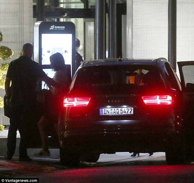 ...và Katie Holmes cũng đi nghỉ tại khách sạn này.