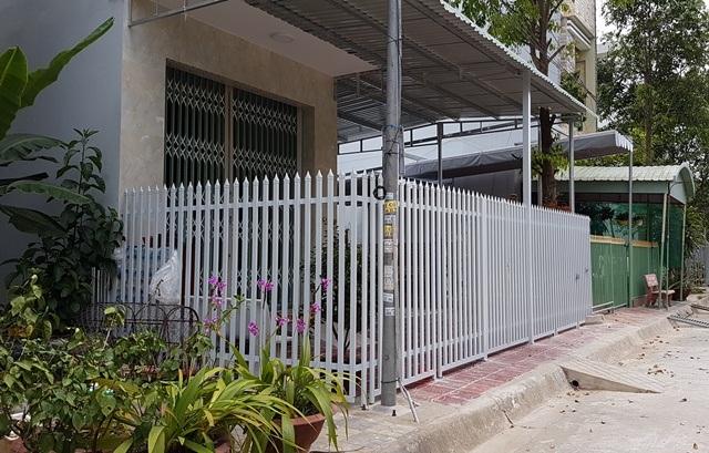 Văn phòng công ty TNHH TMXD Diệu Hiền đặt ở một căn nhà hoang trong KDC