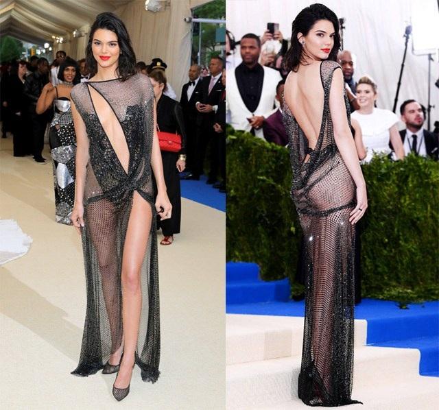 Siêu mẫu 22 tuổi Kendall Jenner - em cô Kim sẽ được vinh danh là biểu tượng thời trang của thập kỷ tạp 1 lễ trao giải thuộc khuôn khổ tuần lễ thời trang New York diễn ra vào tháng tới