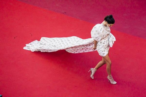 Kendall Jenner dự công chiếu phim 120 Beats Per Minute (120 Battements Par Minute) tại Cannes ngày 20/5 vừa qua